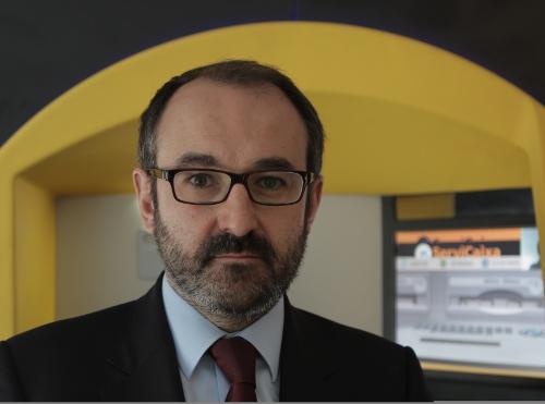Cajeros personalizados para discapacitados europeos for Cajeros barcelona