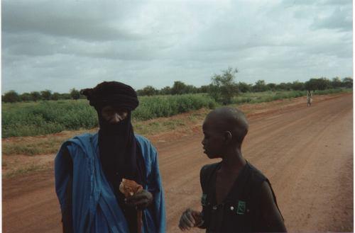 Un tuareg y un joven