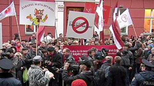 Protesta de la minoría rusa en Letonia